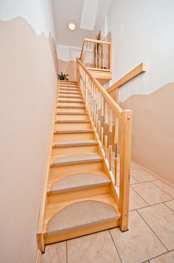 Klassische Treppen treppen kunc klasične stopnice 1
